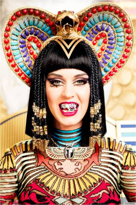 Katy Perry Transforms Into Cleopatra For 'Dark Horse ...