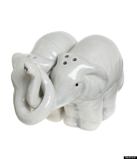 10 Salt And Pepper Shakers That Are Cuter Than They Have Any