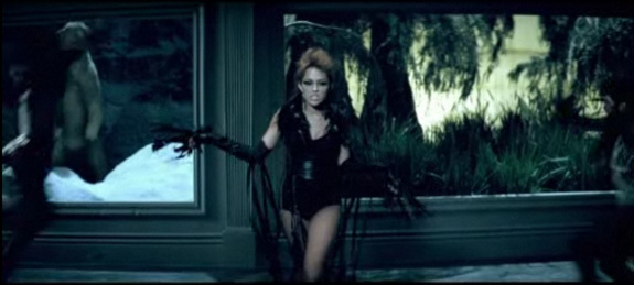 Miley Cyrus Can T Be Tamed Video Too Sexy Or Age