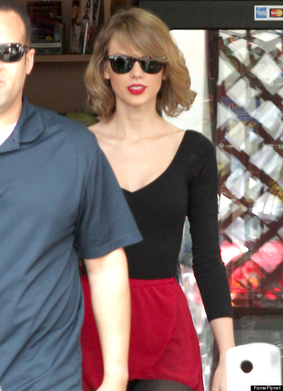 Taylor Swift Is Apparently A Ballerina Now Huffpost