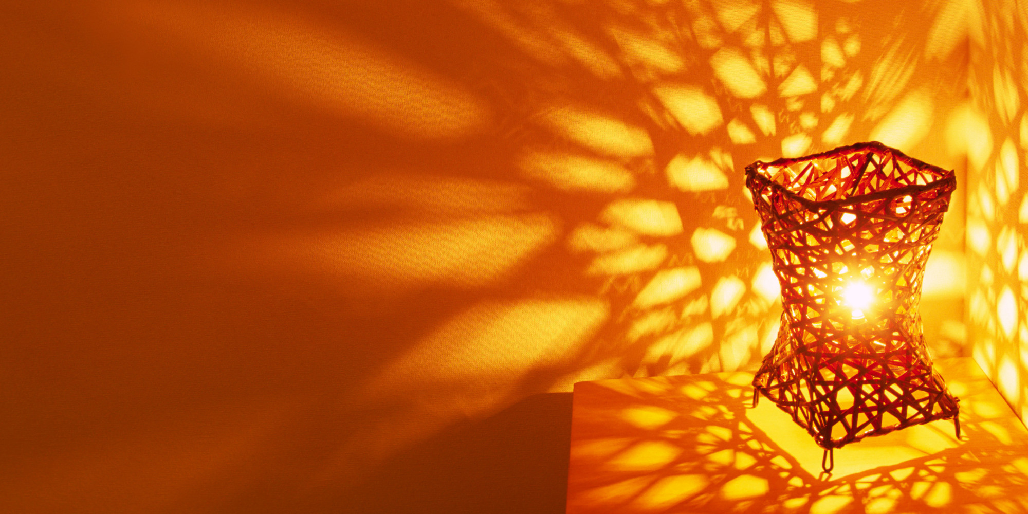 Does Color Affect Your Mood how the light in a room could affect your emotions | huffpost