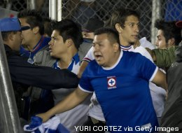 Violencia y racismo fuera de control en el fútbol mexicano