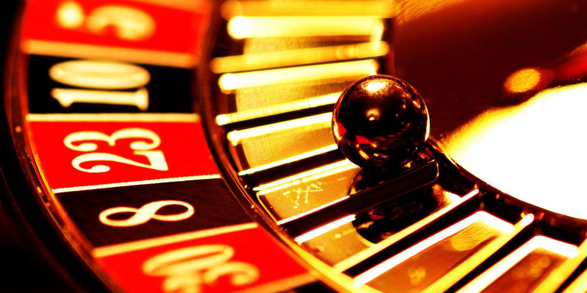 Modern poker table
