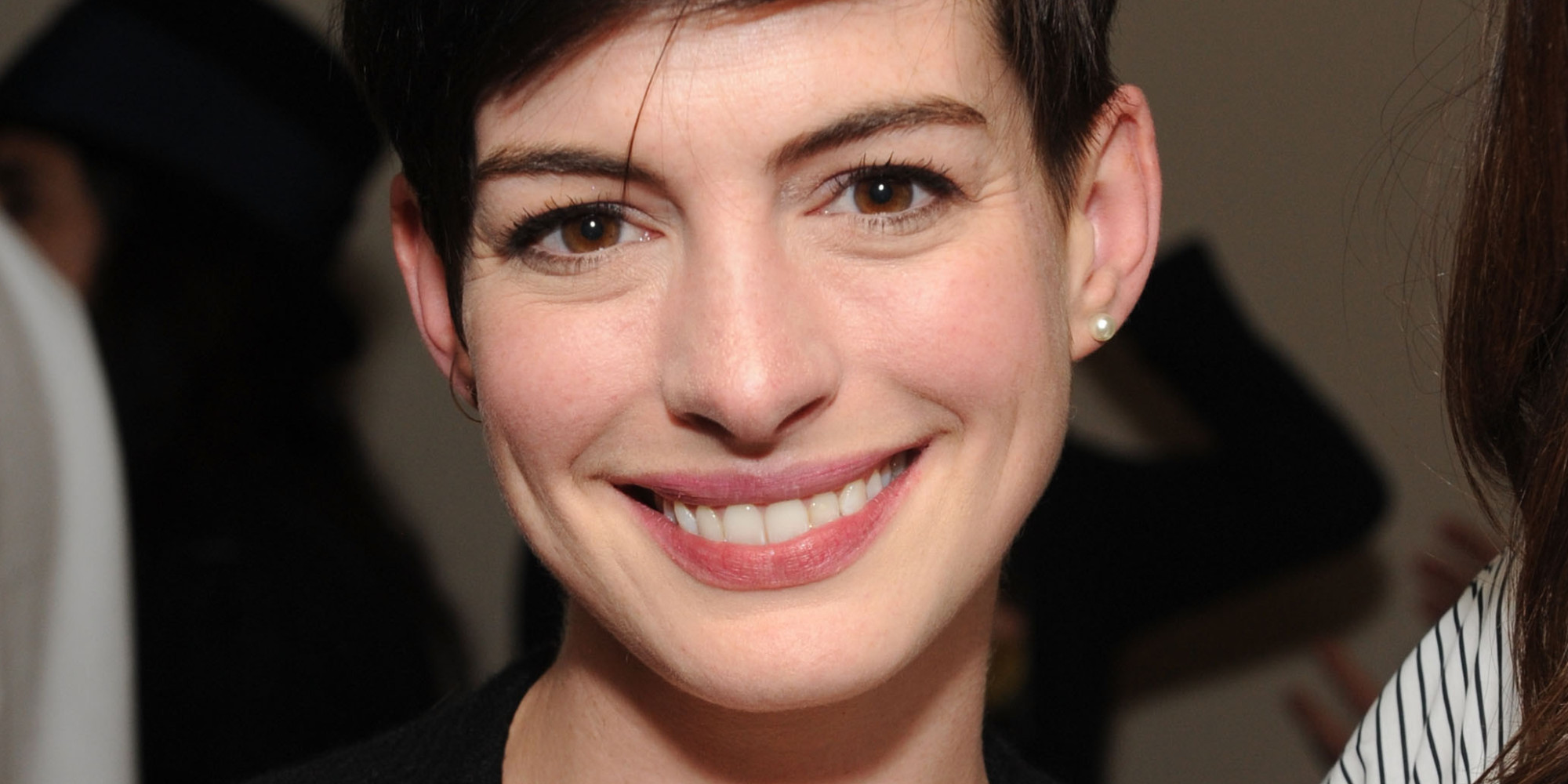 Anne Hathaway Hosts Diane Von Furstenberg's Oscar Nominees ... Anne Hathaway Facebook