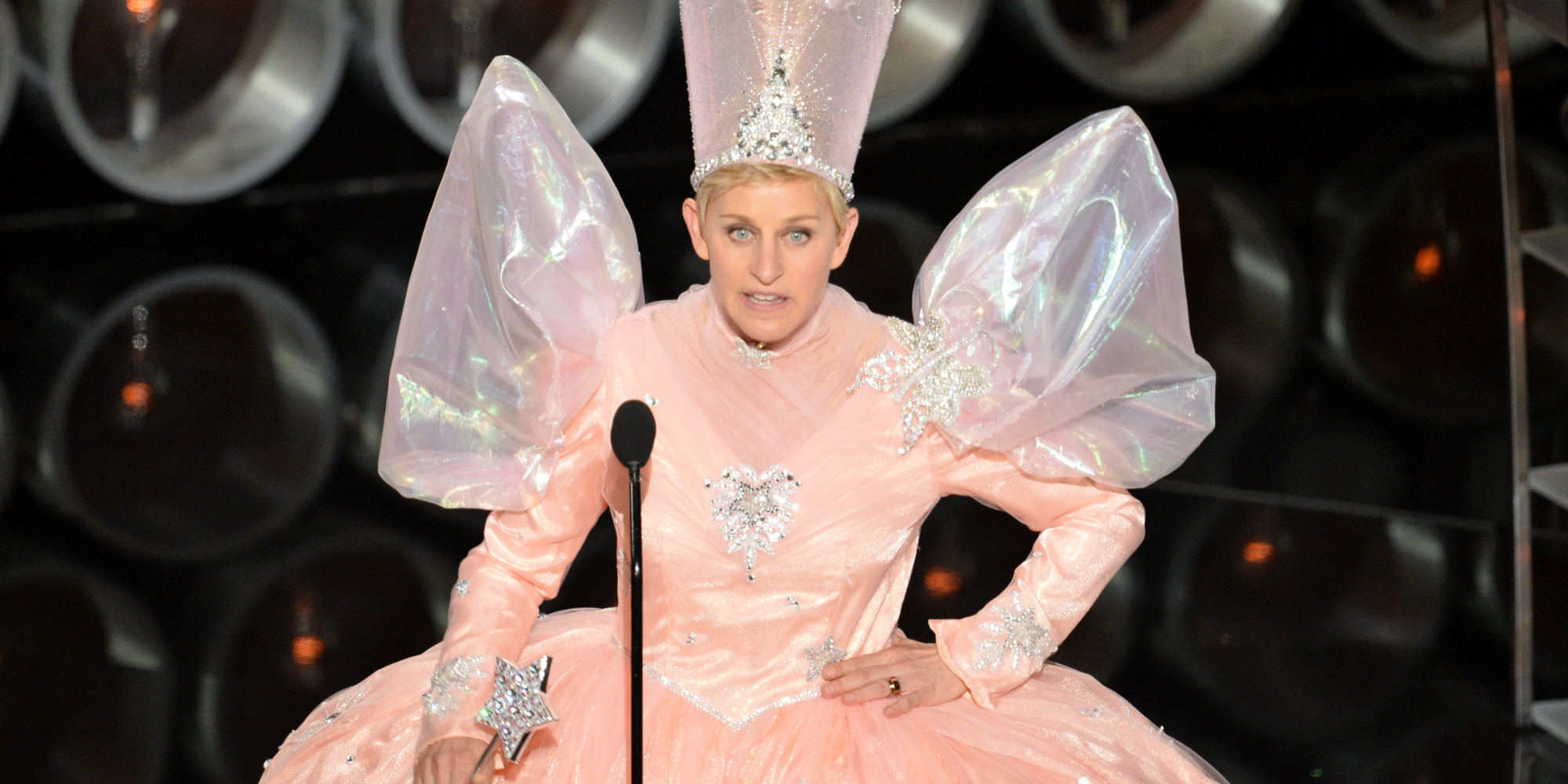 Ellen DeGeneres' Glinda The Good Witch Costume Brings On The ...