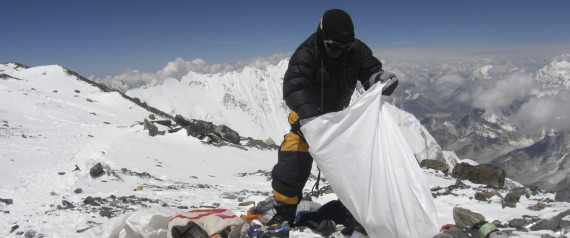 Climbing Everest Garbage Cleanup