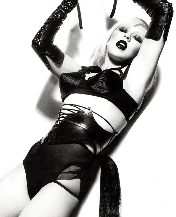 Aguilera christina nude photo shoot