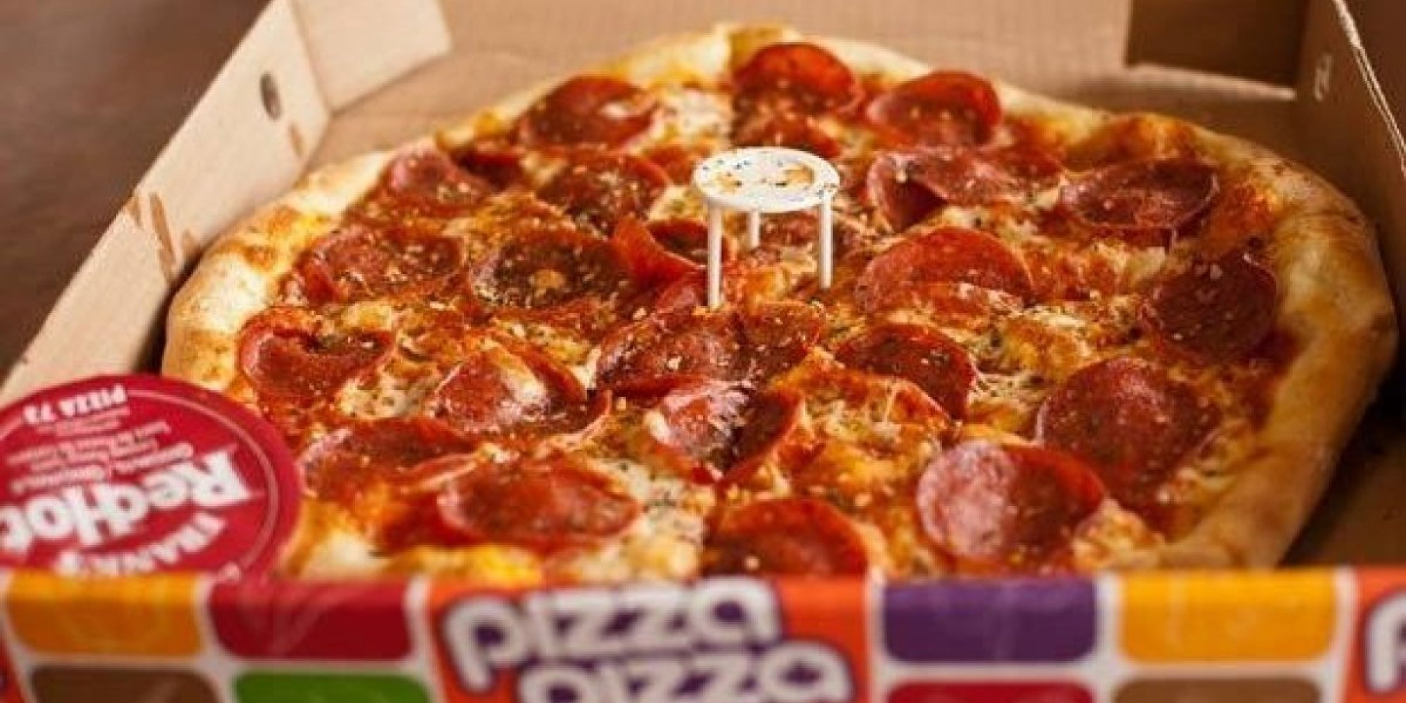 the best pizza chains around the world huffpost. Black Bedroom Furniture Sets. Home Design Ideas