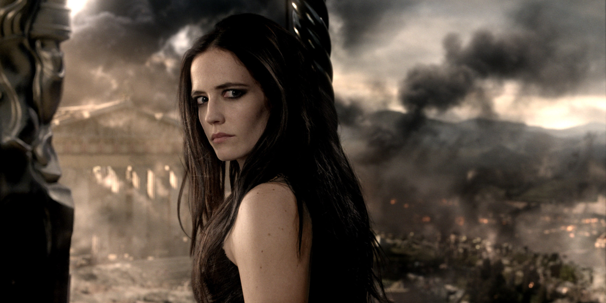 How Eva Green Absolutely Stole '300: Rise Of An Empire ...