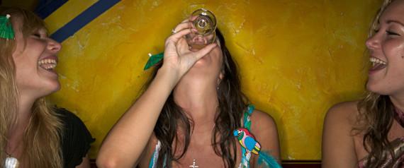 DRUNK WOMAN BAR