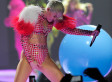Miley Cyrus Uses A Teleprompter Onstage During Her Concerts