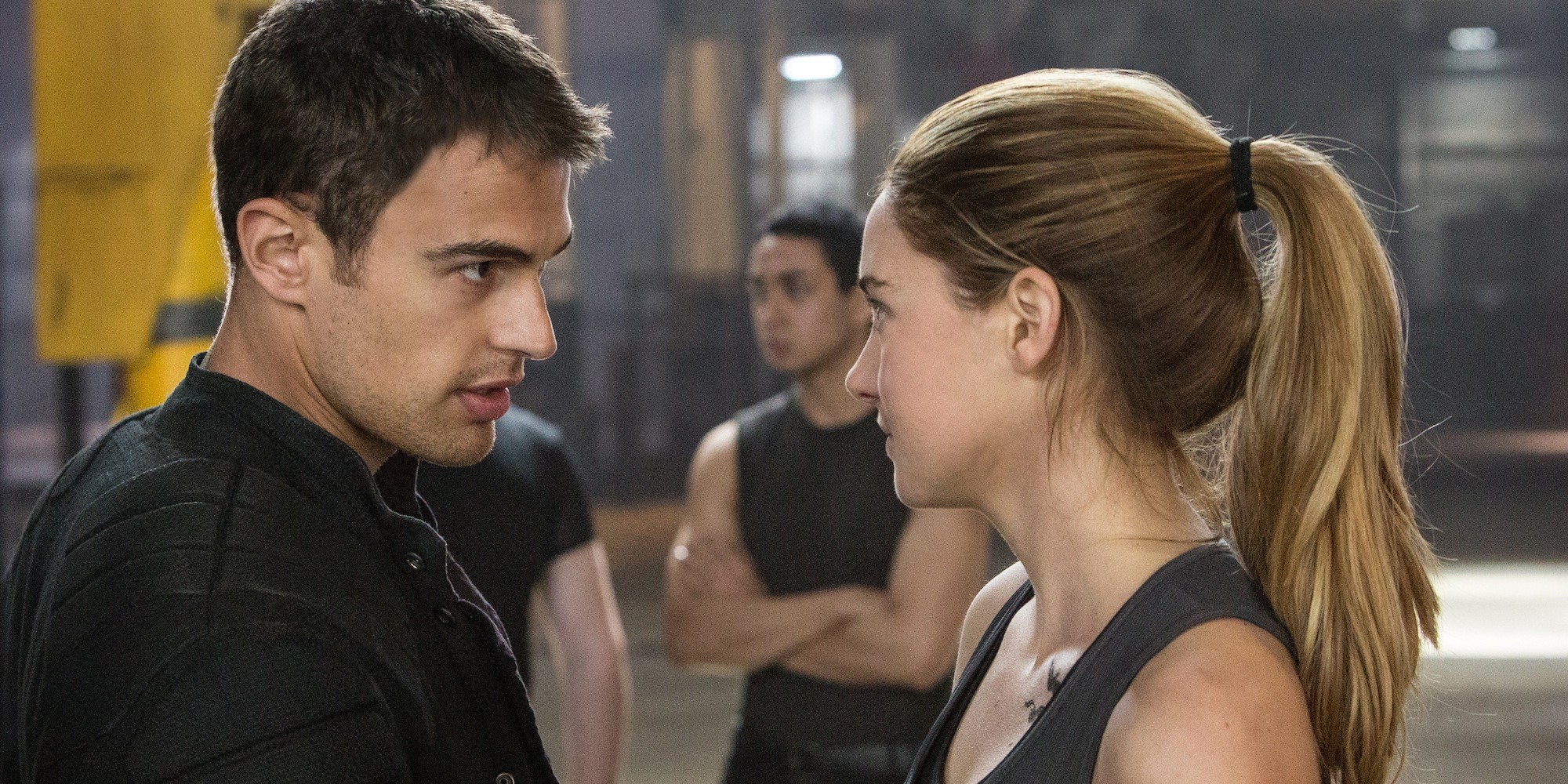 Theo James Girlfriend 2014 O-theo-james-divergent- ...