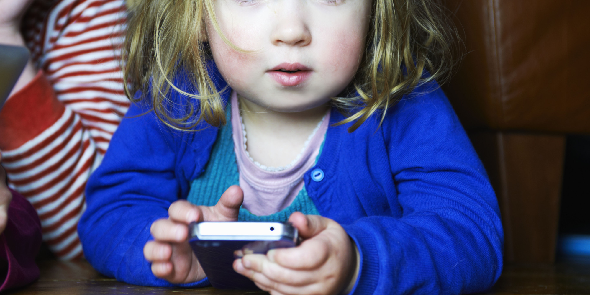 Why Should Kids Have Cell Phones 2000 x 1000