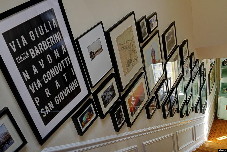13 new ways to display all the photos you 39 ve been hiding - Como decorar un pasillo ...