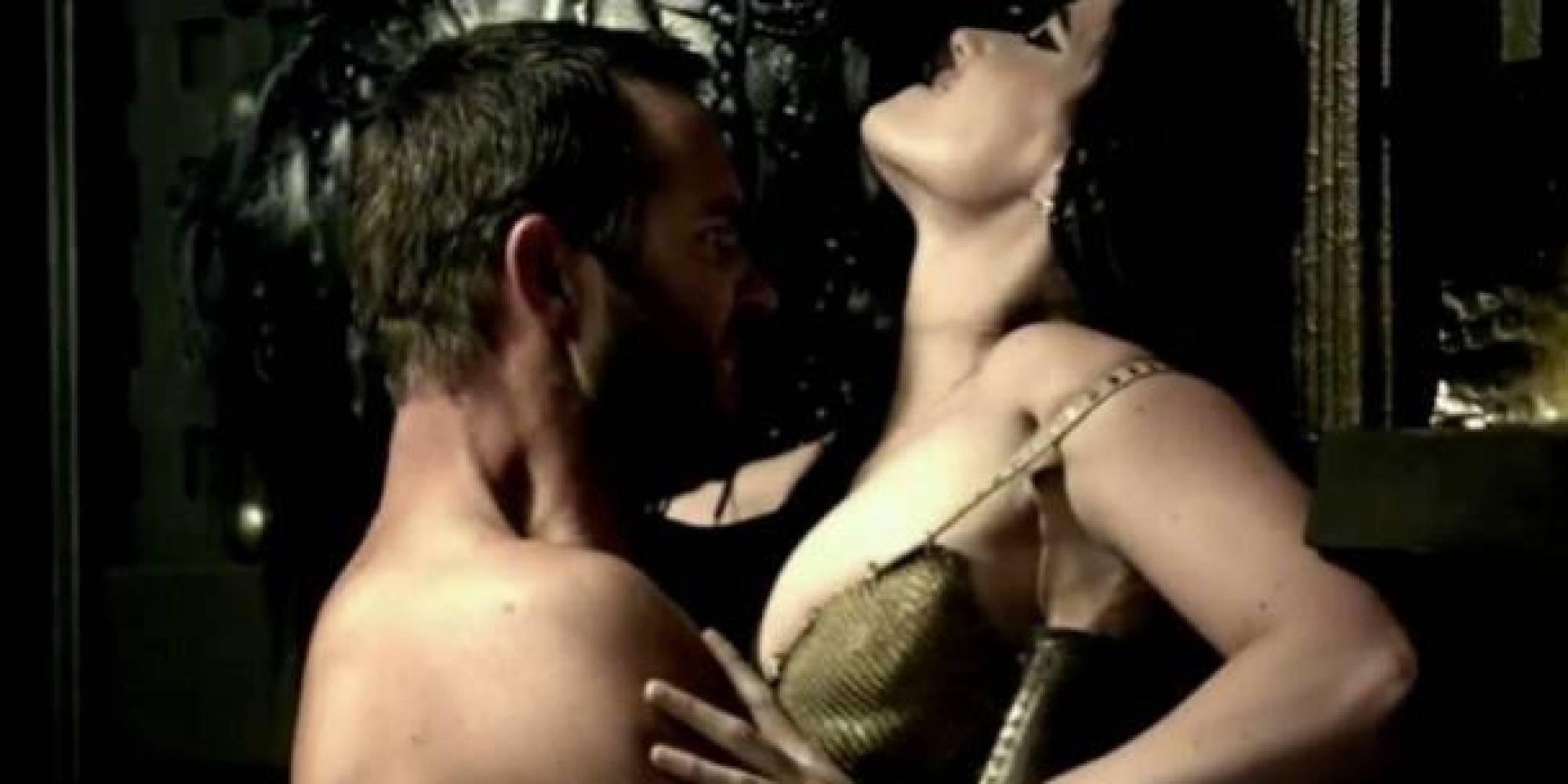 Сути, это порно фильм 300 спартанцев ладно тебе
