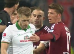 Doing A Fowler: Werder Captain Hunt Denies Own Team A Penalty V Nürnberg (VIDEO)