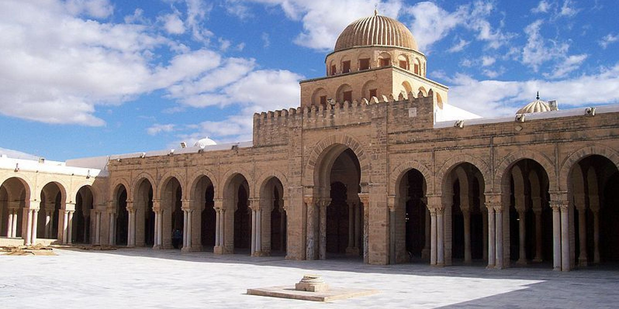Tunisie le minist re des affaires religieuses fixe des for Religious buildings in india