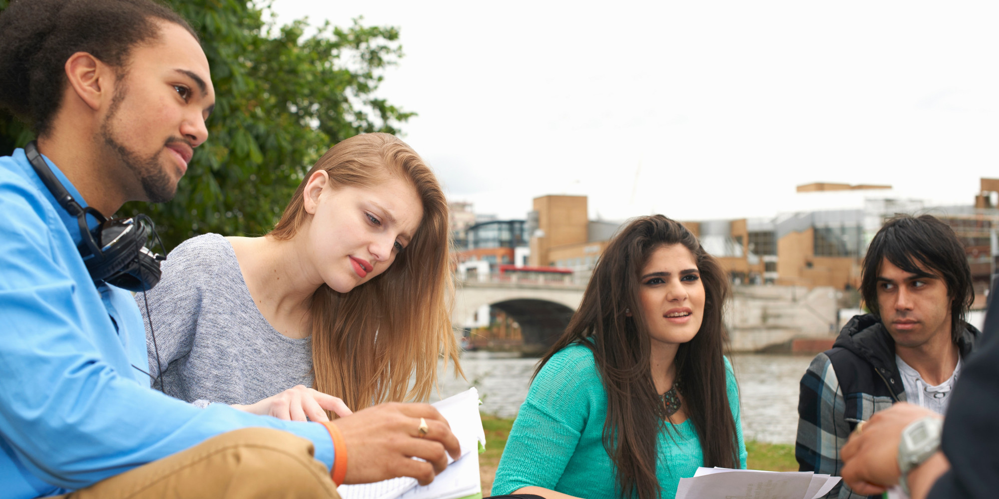 """the student multitasking issues by annie murphy paul Says brain expert annie murphy paul, who writes """"the brilliant blog  it's a big  problem for both students and adults, paul counters, for plenty of reasons."""