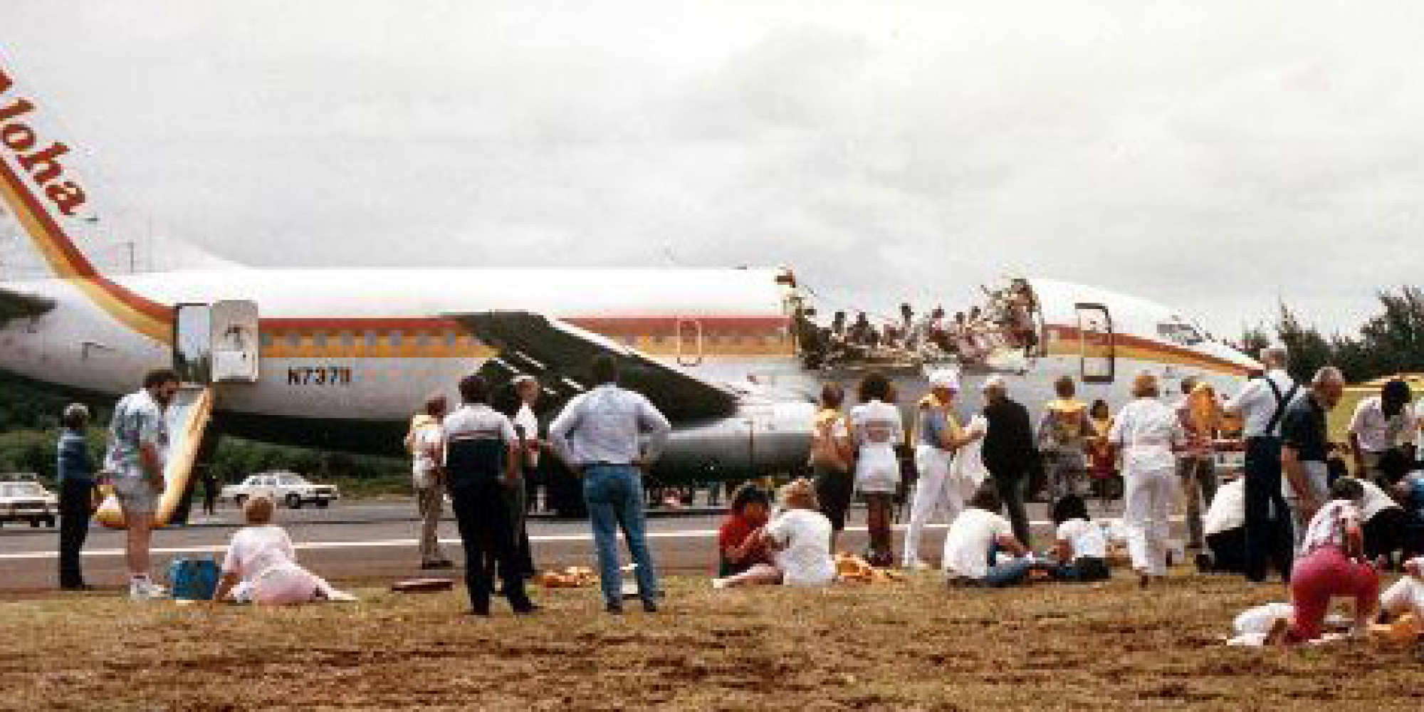 aloha flight 243 Aloha airlines flight 243 aloha airlines flight 243 (aq 243, aah 243) was a scheduled aloha airlines flight between hilo and honolulu in hawaii on april 28, 1988, a boeing 737-297 serving the flight suffered extensive damage after an explosive decompression in flight, but was able to land safely at kahului airport on maui.