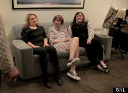 Lena Dunham And The Ladies Of 'SNL' Ham It Up Backstage