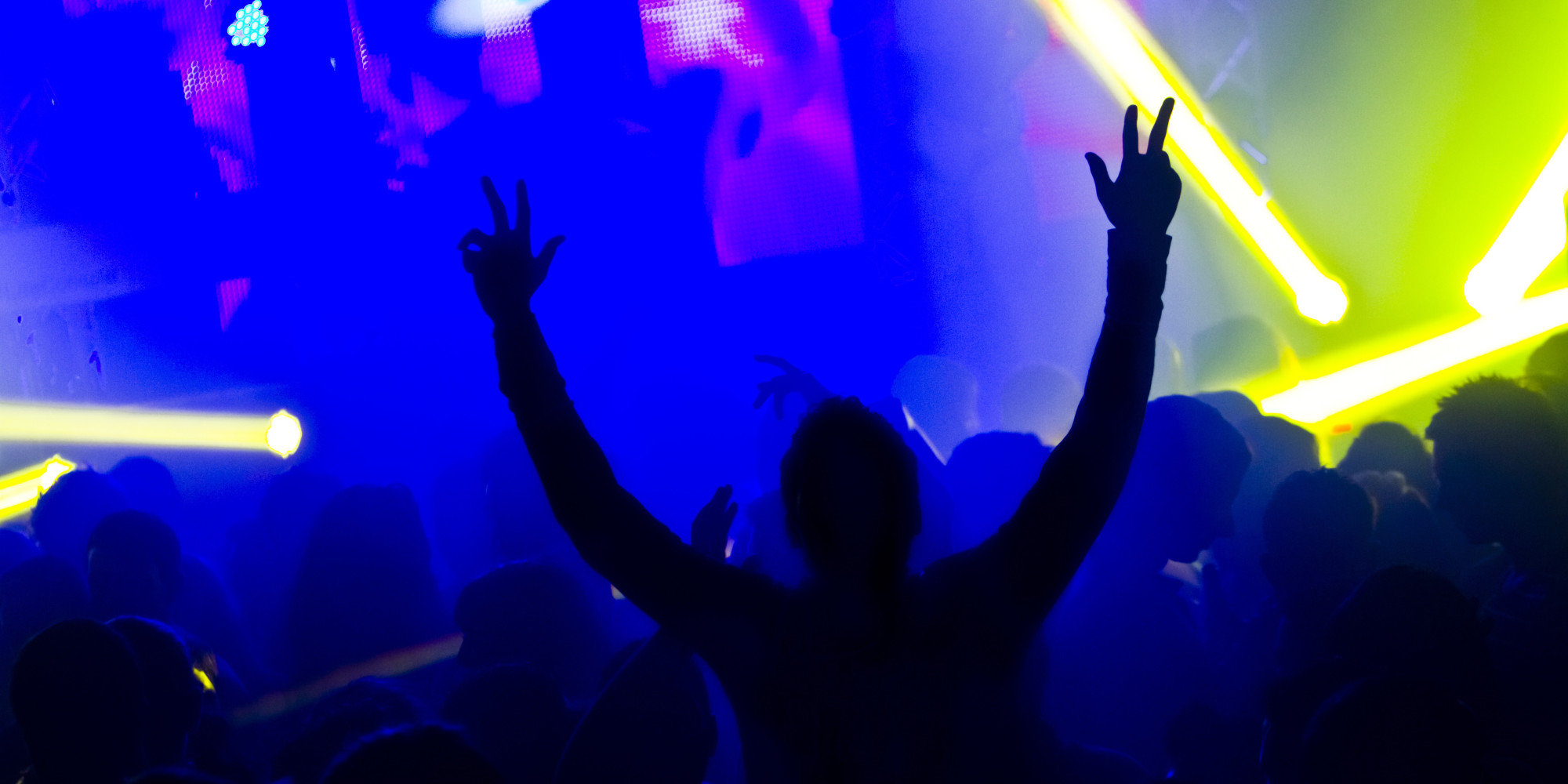 10 Classic Dance Styles You'll Find In ANY Student Club ...