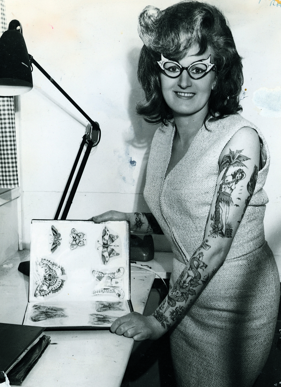 the gorgeous history of tattoos from 1900 to present huffpost. Black Bedroom Furniture Sets. Home Design Ideas