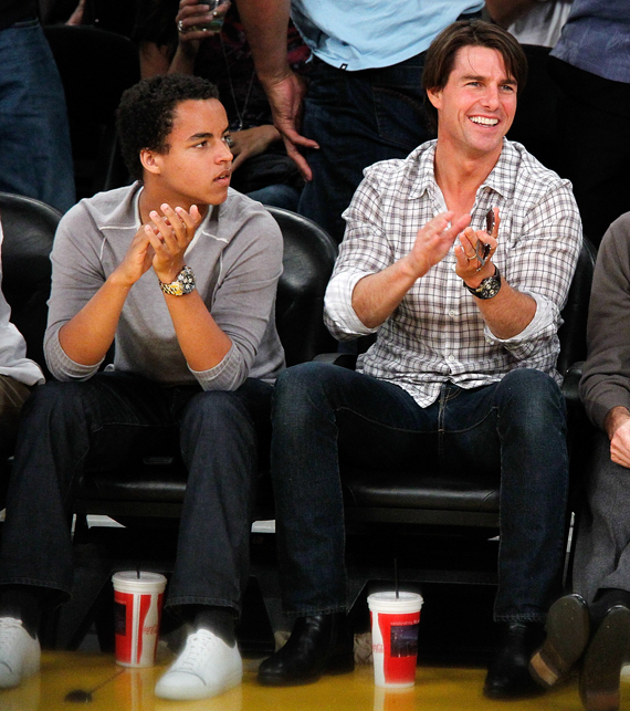 Tom Cruise Takes Son Connor To Lakers Game Photos Huffpost