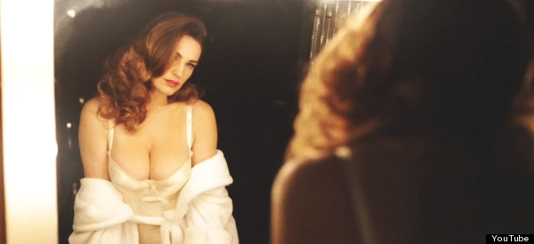 WATCH: Kelly Brook Flaunts It In New Perfume Advert