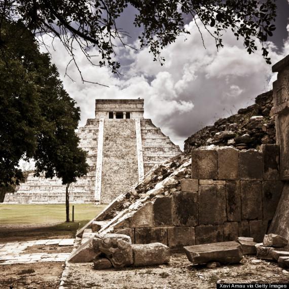 chichen itza stairs
