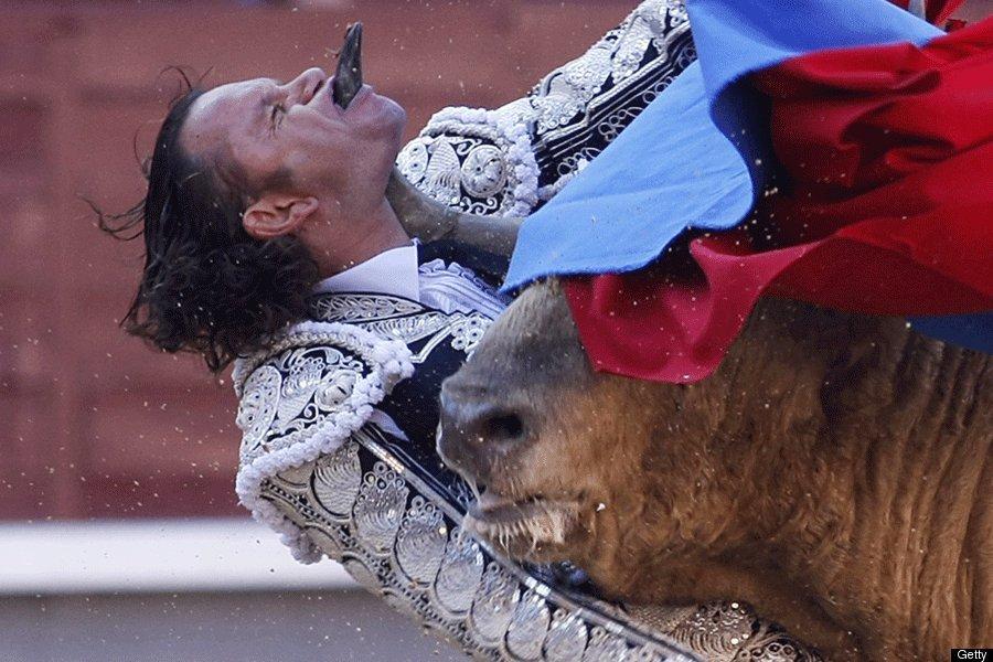 Julio Aparicio GORED IN THROAT During Bullfight (GRAPHIC PHOTOS)