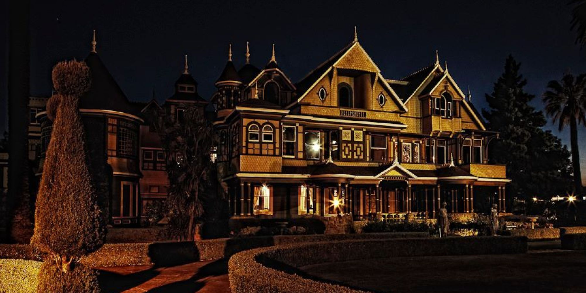 the mystery house Strawinsky and the mysterious house is an half-hour animated cgi movie made  in 2013 made by hope animation it is specifically based on a german.