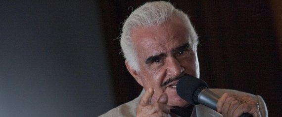 SINGER VICENTE FERNANDEZ
