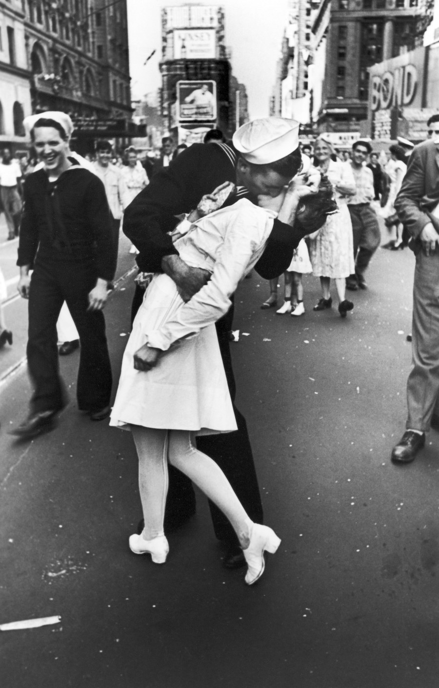 You Know This One An Oldie But Goodie Glenn McDuffie And Gloria Bullard The Two People Believed To Be Pictured In Iconic Image Kiss Times Square