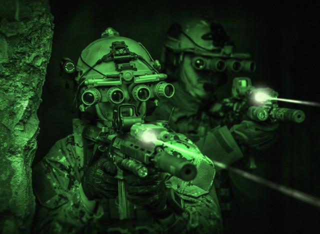 les lentilles de contact 224 vision nocturne pourraient devenir r 233 alit 233