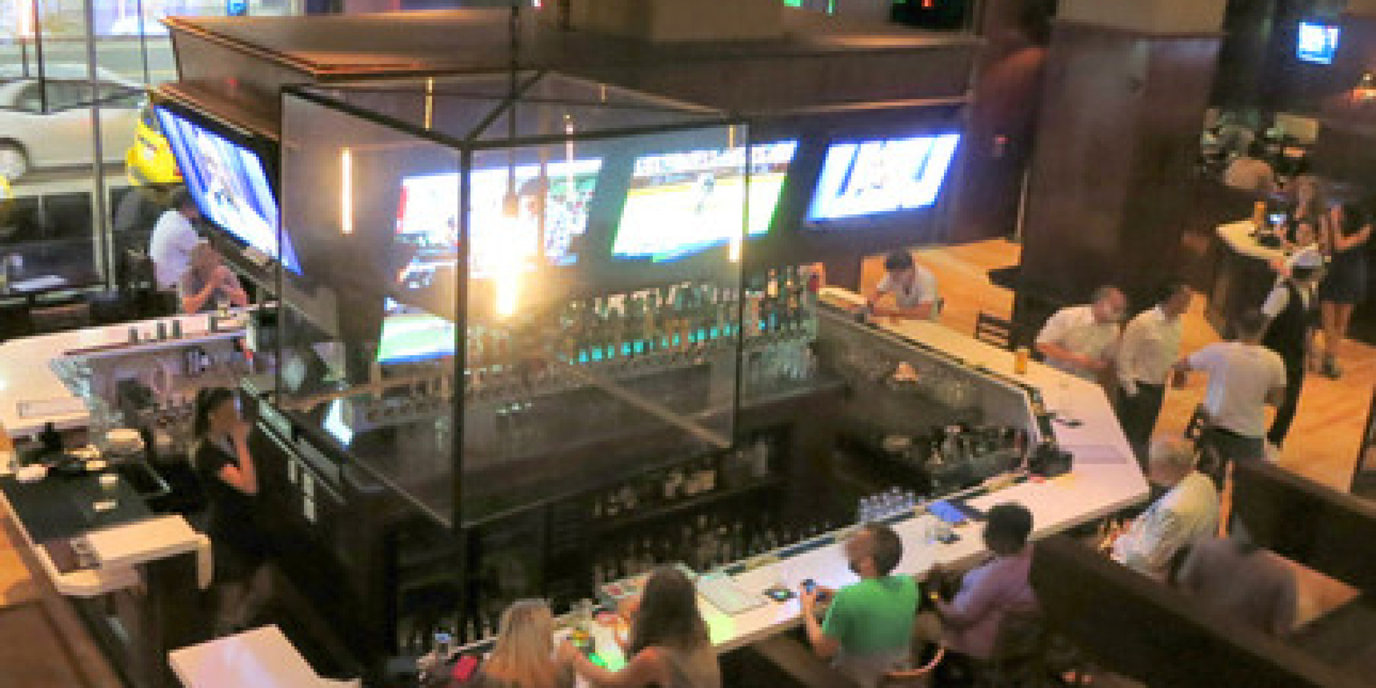 Top 10 Sports Bars in the U.S. | HuffPost