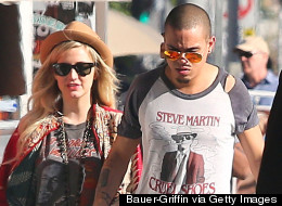 Ashlee Simpson, Evan Ross And Mom Diana Ross Hit The Beach