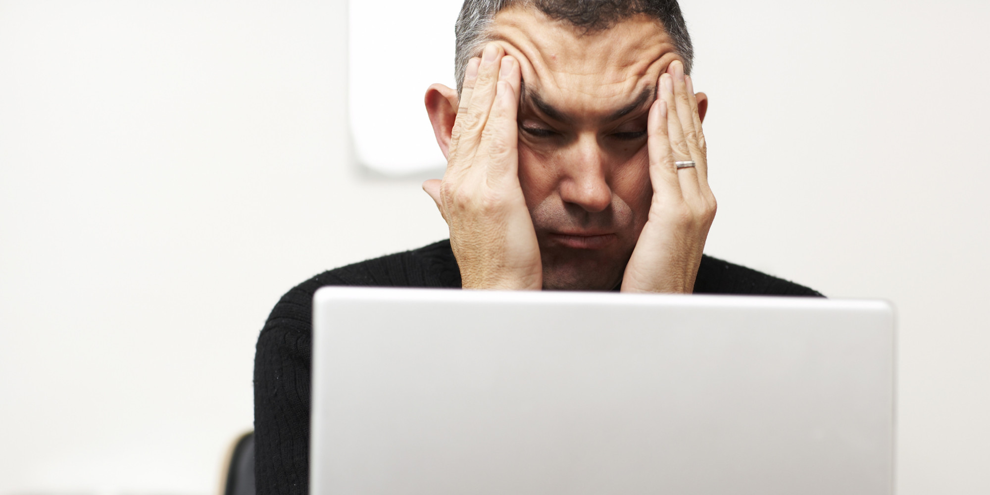 o-MAN-FRUSTRATED-WITH-COMPUTER-facebook.