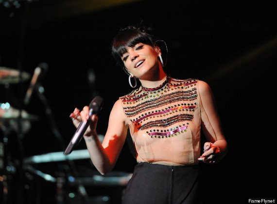 Lily Allen's Super Sheer Shirt Leaves Very Little To The Imagination ... Lily Allen