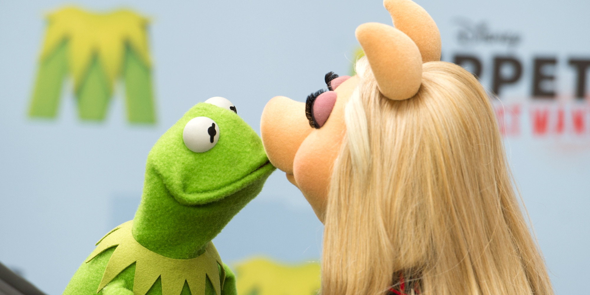 kermit single girls Powerful stuff the danish girl debuts at venice film festival this week and opens in  kermit the frog is reportedly dating again after split from miss .
