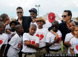 Marc Anthony y Romeo Santos juntos por estos niños (VIDEO)