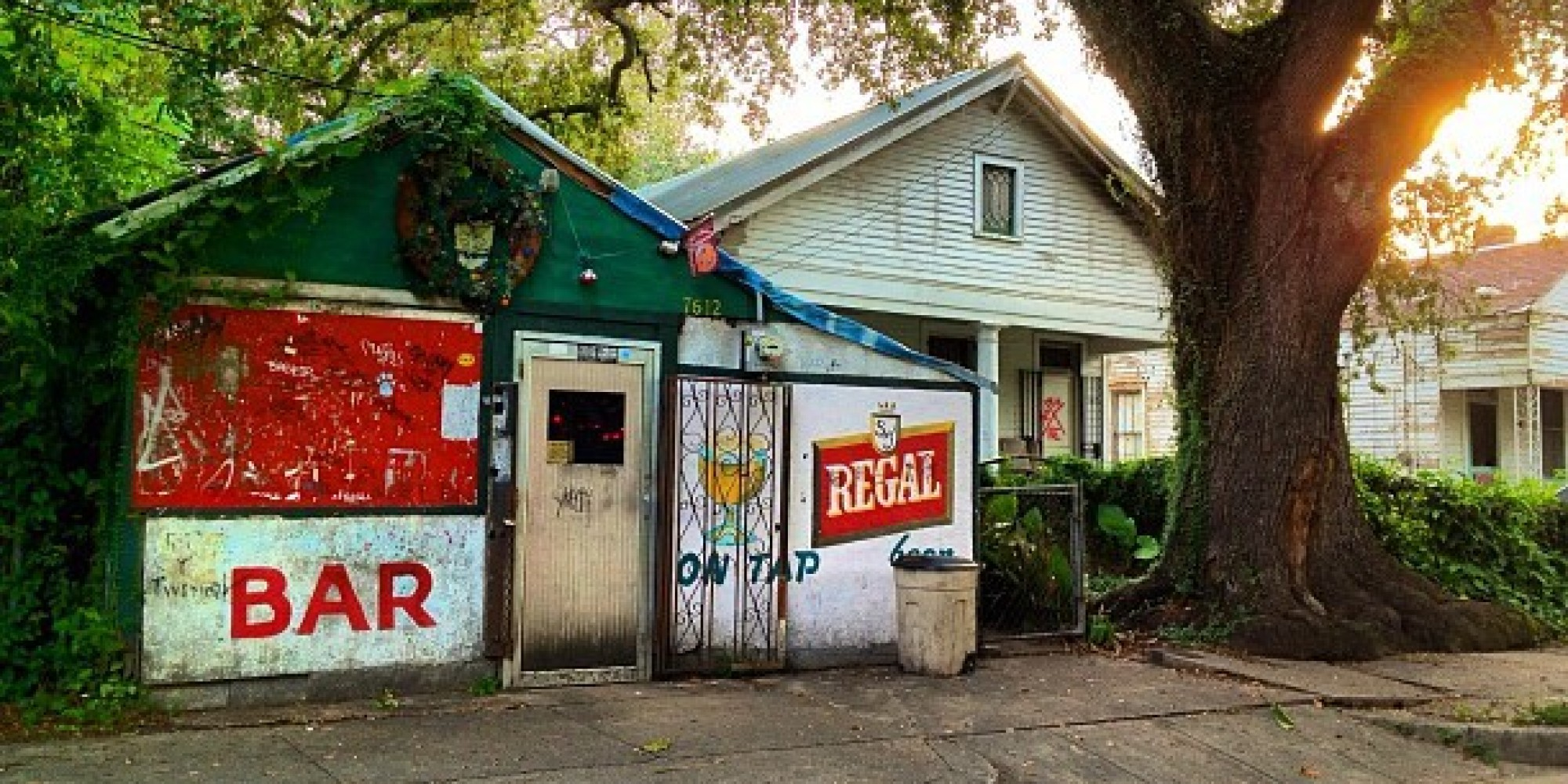 8 of america 39 s grittiest dive bars for Bar dive