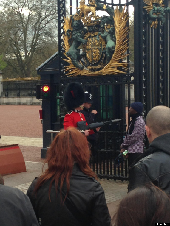 buckingham palace intruder