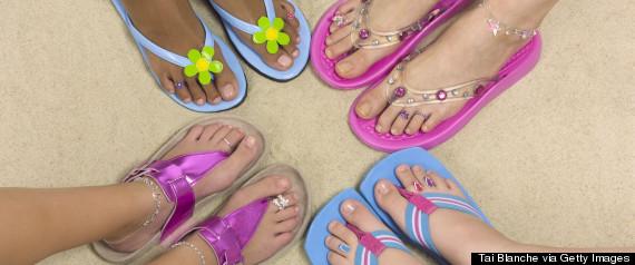 flip flop beach feet