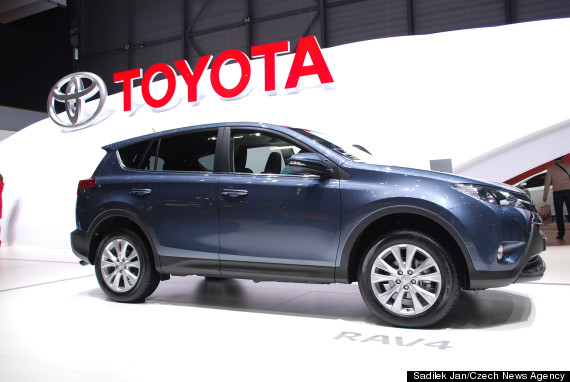toyota recalls 35 000 cars over faults with airbags. Black Bedroom Furniture Sets. Home Design Ideas