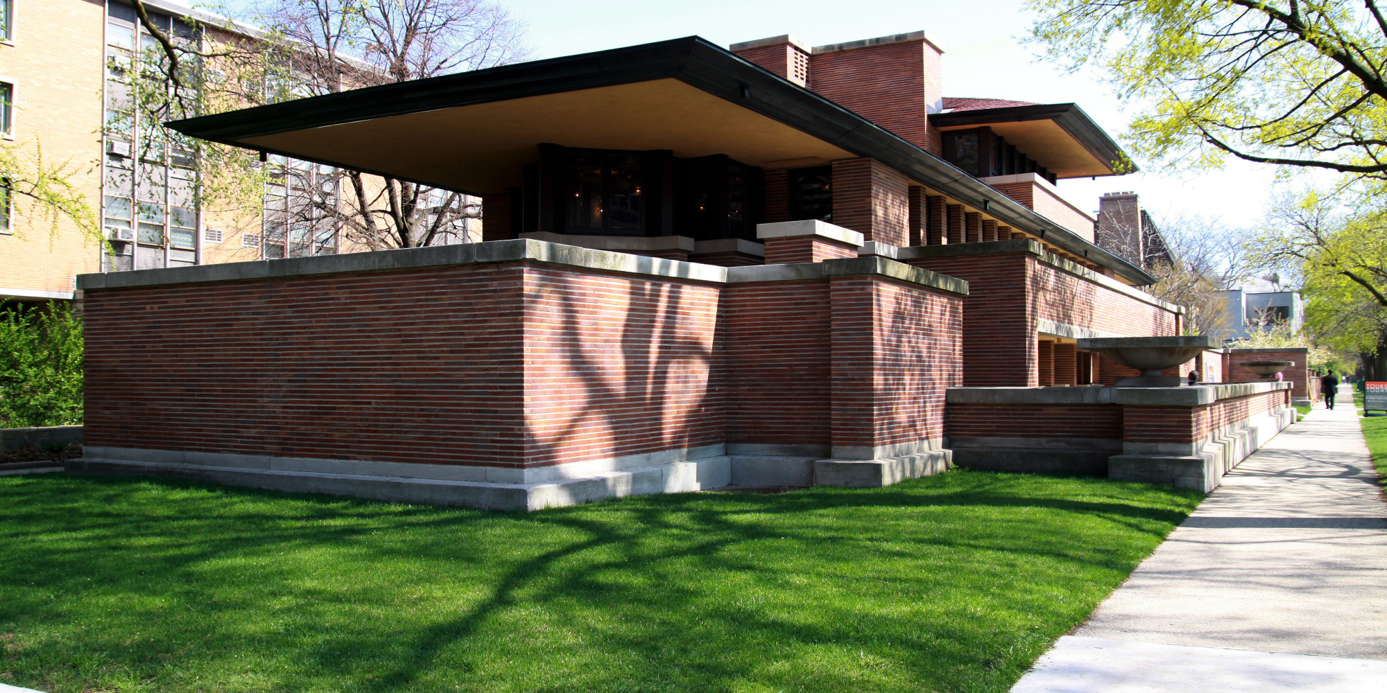 Frank lloyd wright died 55 years ago but his legacy lives for Frank lloyd wright house design