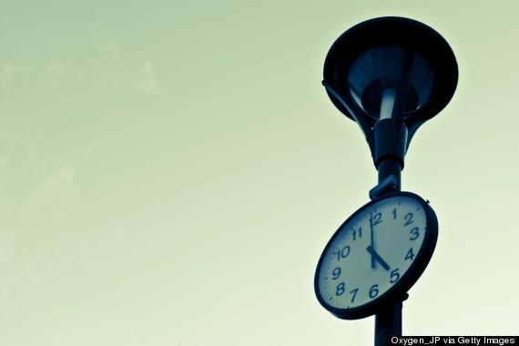 clock 5 pm