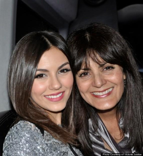 victoria and mom