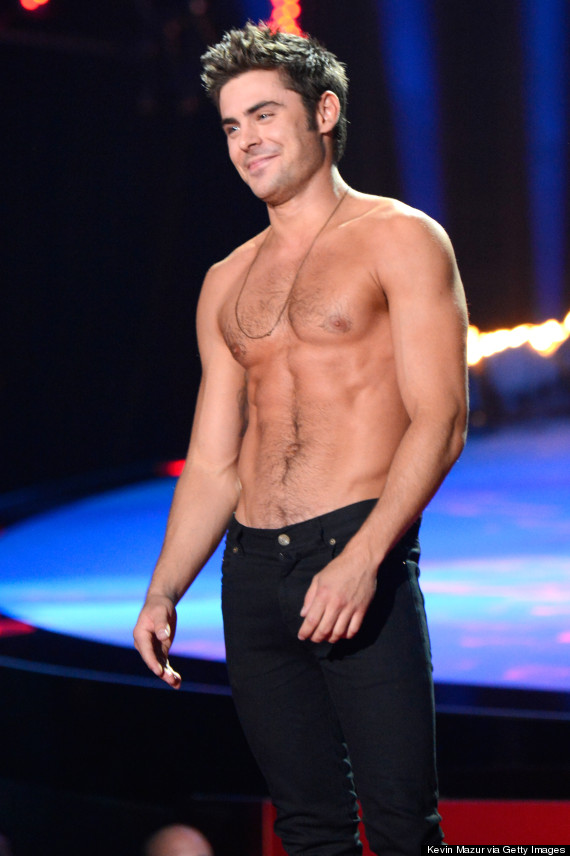 zac efron took his shirt off at the mtv movie awards. Black Bedroom Furniture Sets. Home Design Ideas
