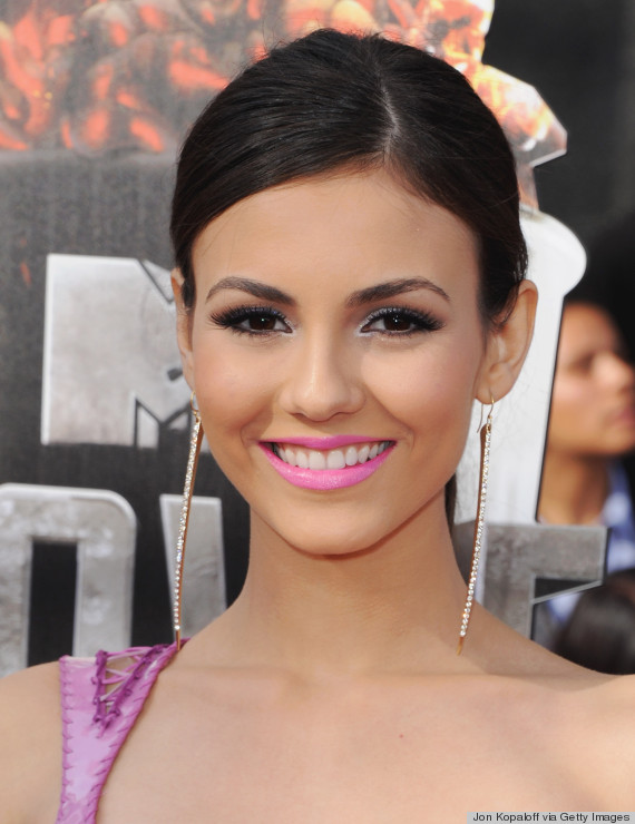 victoria justice red carpte
