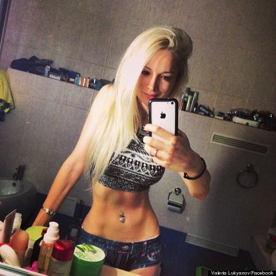Valeria Lukyanova Human Barbie Posts No Make Up Selfie